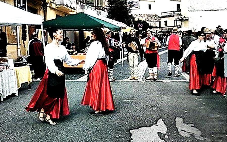 ballerine danzano balli popolari
